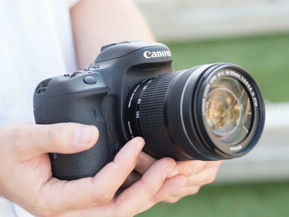 Canon 7D II vs Nikon D7200