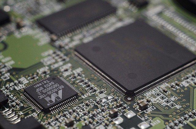 Intel Z390 vs. Z370